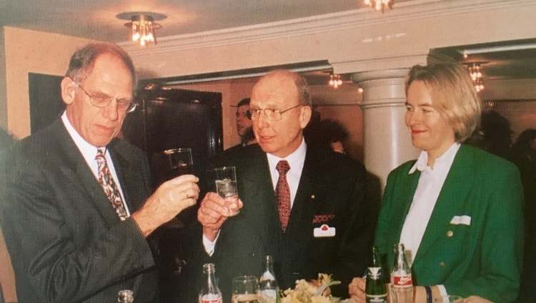 Vice Prime Minister of The Netherlands, Hans Dijkstal, at the 1997 SCCN Event in Amsterdam with a.i. Mrs. Jolanthe Janssen (photo: collection Swiss Chamber of Commerce).
